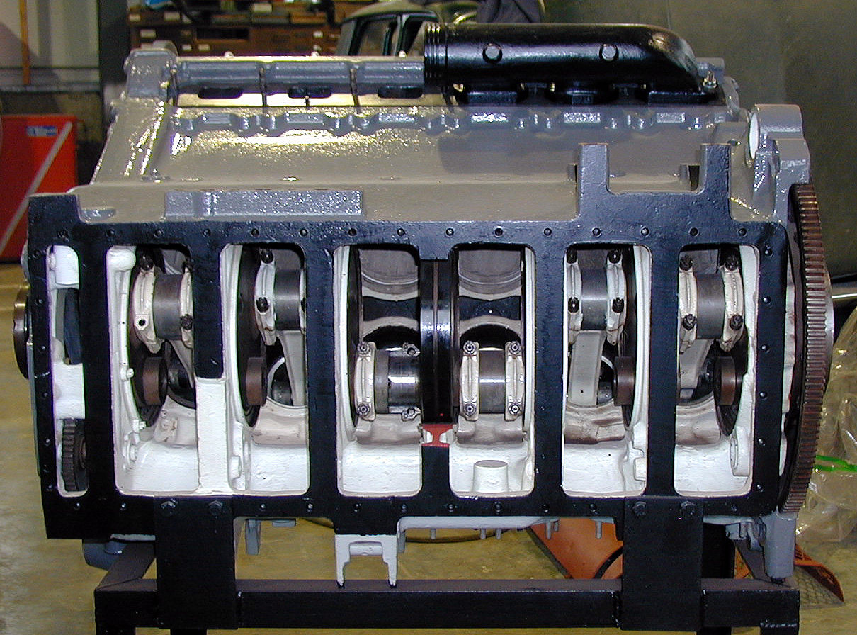 The sectioned HL210 engine, seen from below.