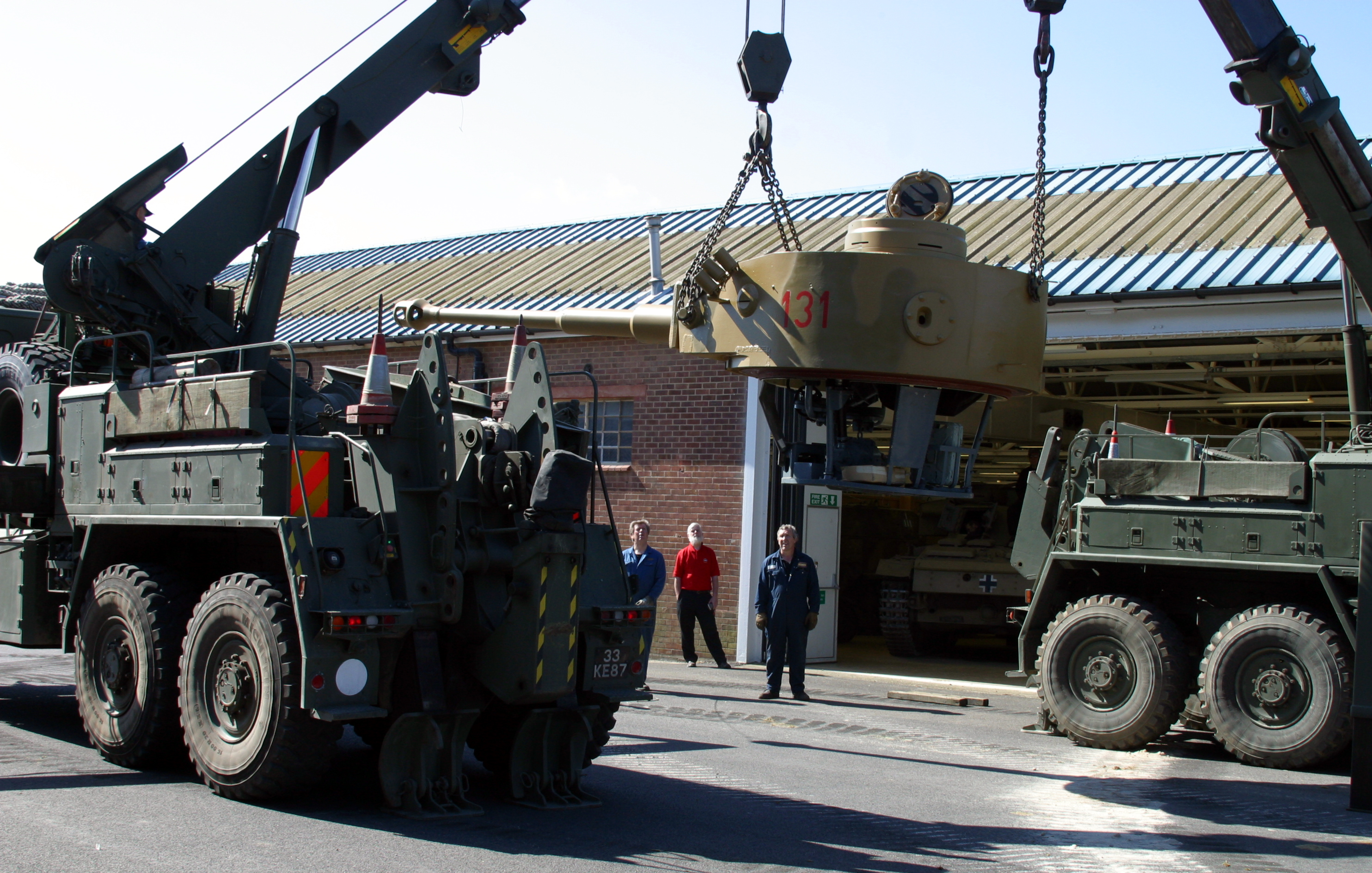 Lifting the turret